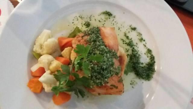 Grill Fish with Pesto Cilantro   35 ribu