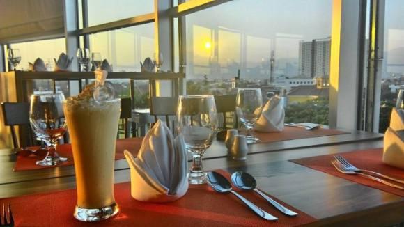 Senja di Cilantro Coffee n Resto Metro Indah Mall