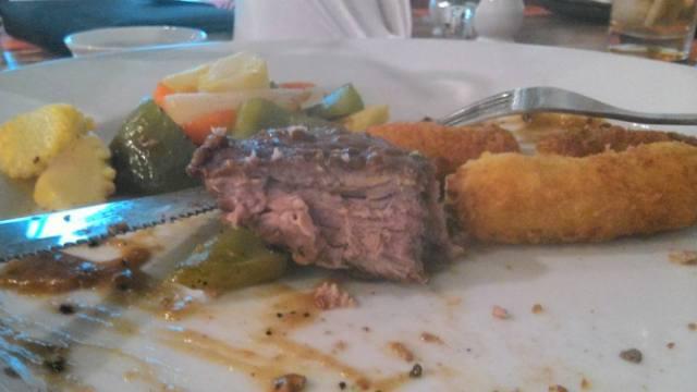 sirloin steak di Cilantro Coffee n resto dibanderol dengan harga 50 ribu