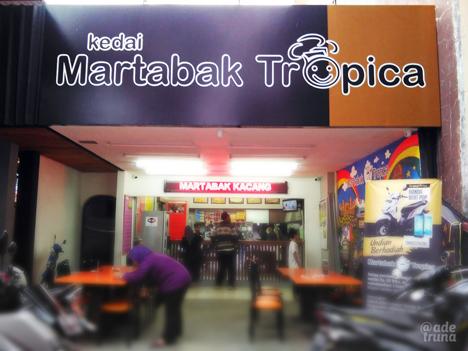 kebersihan dan kerapihan dibuktikan oleh kedai Tropica lewat penampilan bangunannya.