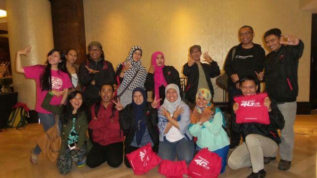 Foto bareng Blogger di acara Community & Media Gathering Smartfren belum lama ini