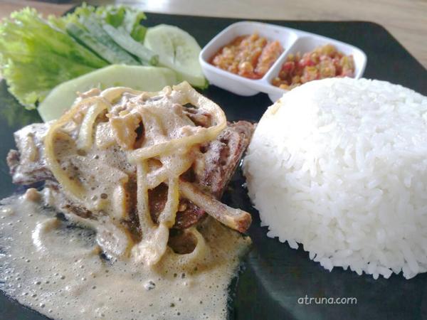 menu nasi bebe/ayam Lava di Dimsum Choie