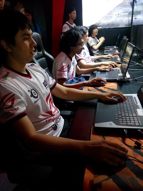 nls-gamers-andalan-asu-rog-store-bandung